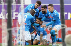 Napoli Gasak Fiorentina, Nasib Juventus Kembali di Ujung Tanduk - JPNN.com