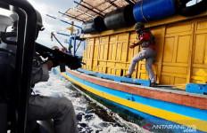 Bakamla Tangkap Kapal Ikan Berbendera Vietnam yang Diduga Mencuri Ikan di Natuna - JPNN.com