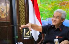 Gubernur Ganjar Berkomitmen Penuh Melindungi Pekerja Migran - JPNN.com