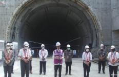 Jokowi: Pembangunan Kereta Cepat Jakarta-Bandung Capai 73 Persen - JPNN.com