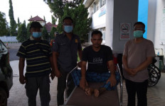 Usai Bacok Anak Kandung, Iwan Malah Coba Bunuh Diri, Begini Jadinya - JPNN.com