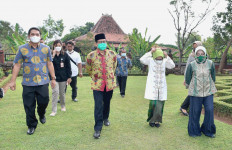 Gus Menteri Sambangi Candi Rimbi di Jombang - JPNN.com