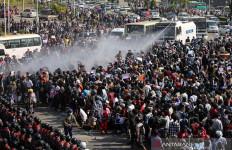 Demonstran Antikudeta Myanmar Pertaruhkan Nyawa demi Generasi Berikutnya - JPNN.com