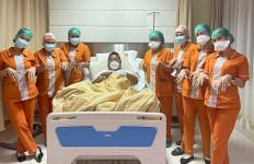 Bang Hotman Dirawat di Rumah Sakit, Para Perawat Langsung Lakukan Ini - JPNN.com
