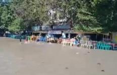 Kenjeran Park Terkena Dampak Banjir Rob, Begini Imbauan BMKG - JPNN.com
