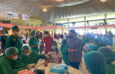 Puan Maharani Hadiri Vaksinasi Covid-19 Massal di Bali - JPNN.com