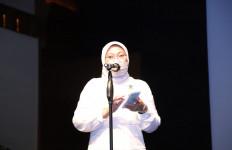 Menaker Ida Nobar Film Tjoet Nja' Dhien Bersama Buruh, Simak Pesannya - JPNN.com