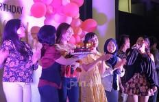 Dapat Kejutan Ulang Tahun, Ucie Sucita: Enggak Menyangka - JPNN.com