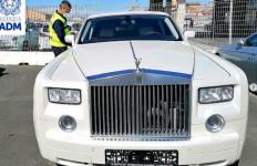 Bea Cukai Sita Rolls-Royce Phantom Kulit Buaya, Siapa yang Punya? - JPNN.com