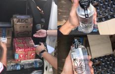Bea Cukai Menggagalkan Penyelundupan 25 Botol Miras Tanpa Pita Cukai - JPNN.com
