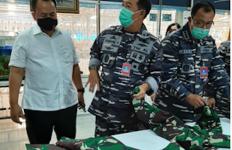 TNI AL Lakukan Pengawasan dan Supervisi Produksi Pakaian Dinas - JPNN.com