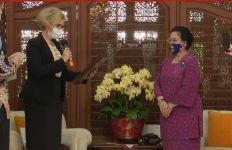 Megawati Terharu Kenang Sang Ayah saat Terima Penghargaan dari Presiden Rusia - JPNN.com