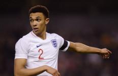 Nasib Nahas Menimpa Bek Liverpool Menjelang Euro 2020 - JPNN.com