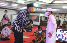 Beri Pesan Khusus untuk Ganjar, Ustaz Das'ad: Bapak Santai Saja - JPNN.com