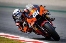 Oliveira Menang di MotoGP Catalunya, Quartararo Finis Tanpa Pelindung Dada - JPNN.com