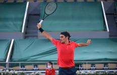 Roland Garros: Setelah 3 Jam 35 Menit Federer Menjadi Petenis Terakhir yang Tembus 16 Besar - JPNN.com