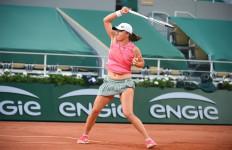 2 Juara Bertahan Tembus 8 Besar Roland Garros, Djokovic? Oh, Hampir Saja.. - JPNN.com
