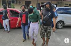 Pembunuh Guru Honorer Ini Ditangkap, Konon Ada Cinta Terlarang - JPNN.com