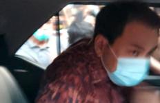 Usai Diperiksa KPK, Azis Syamsuddin Bungkam - JPNN.com