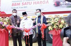 Pertamina Resmikan 27 Titik BBM Satu Harga - JPNN.com