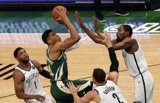 Middleton dan Antetokounmpo Menggila, Milwaukee Bucks Perkecil Ketinggalan dari Brooklyn Nets - JPNN.com