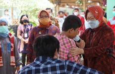 Mensos Risma Ajak Keluarga Penerima Bansos Manfaatkan SKA - JPNN.com
