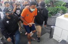 Wahyu Penganiaya Bocah 12 di Surabaya Ditangkap di Tangerang, Lihat Kakinya - JPNN.com