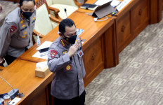 Jenderal Listyo Meluncurkan Buku Digital Terkait Manajemen Kontingensi Klaster Covid-19 - JPNN.com