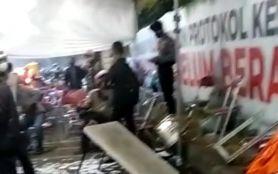 Ratusan Pengendara di Suramadu 'Ngamuk', Sejumlah Fasilitas Penyekatan Rusak Parah- JPNN.com Jatim