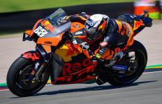Oliveira Kuasai FP2 MotoGP Jerman, Marquez Melorot, Rossi Posisi ke-21 - JPNN.com