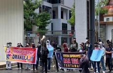Pangeran Tanggapi Aduan Masyarakat Soal Dugaan Gubernur Riau Terlibat Korupsi Bansos - JPNN.com