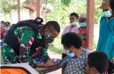 Mama Elyana Terharu Melihat Perbuatan Mulia TNI di Perbatasan Papua - JPNN.com