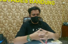 Diduga Ajarkan Pendidikan Agama Aliran Sesat di Bandung, 8 Orang Diamankan Polisi - JPNN.com