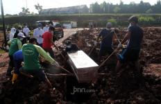 Pak Lurah Cijantung Jaktim Meninggal Diduga Terpapar COVID-19 - JPNN.com