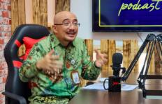 Istri Terus Berzikir, Kepala BKN Tegang, Pilih Dinas Luar Kota - JPNN.com