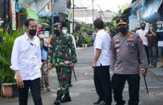 Mendadak Tinjau PPKM Mikro di Rawasari, Jokowi Bawa Kapolri dan Panglima TNI - JPNN.com