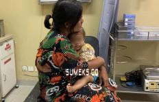 Ibu Bonceng Tiga Anaknya Disenggol Truk Kontainer, 1 Orang Tewas - JPNN.com