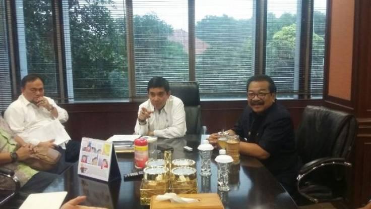 Menteri Yuddy Terima Kunjungan Pakde Karwo
