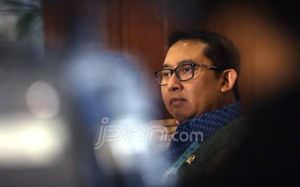 Indonesia Tak Kirim Jemaah Haji 2020, Fadli Zon Bilang Begini - JPNN.com