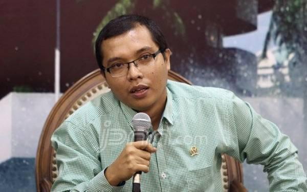 DPR Minta Pemerintah Tidak Utak-atik Dana Calon Jemaah Haji - JPNN.com