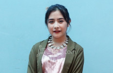 Prilly Latuconsina enggak Pengin Nikah? - JPNN.com