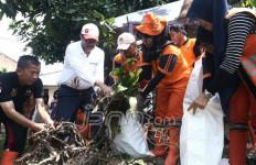 Suka Duka Pasukan Oranye, Keluar Masuk Got Sudah Biasa - JPNN.com