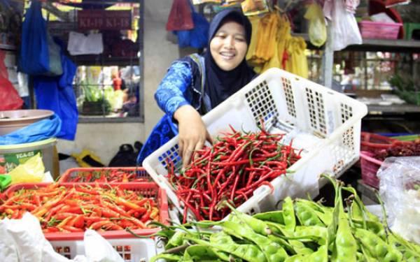 Awasi Peredaran dan Gelar Pasar Murah, Bulog Pastikan Harga Sembako Stabil - JPNN.com