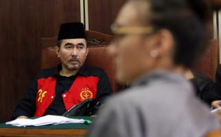 Dituntut 15 Tahun Penjara, Begini Reaksi Gatot Brajamusti - JPNN.com