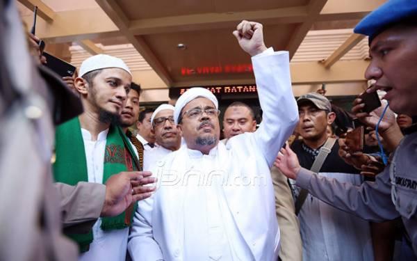 Habib Rizieq Menyiapkan Eksepsi, Ini Nama-nama Pengacaranya, Terkenal - JPNN.com