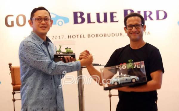 Pesan Taksi Blue Bird Lewat Go Jek, Perbarui Aplikasinya - JPNN.com