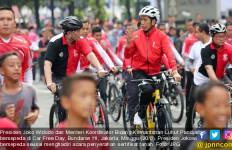 Warman Dapat Sepeda dan Bonus Modal Usaha dari Jokowi - JPNN.com
