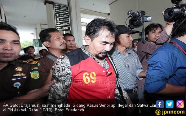 Gatot Brajamusti Kecewa Sidang Tuntutan Ditunda Lagi - JPNN.com