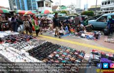 PKL Banjiri Trotoar Jakarta, Bukti Anies Tak Mampu Atasi Pengangguran - JPNN.com