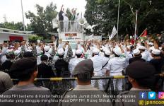 Penyidik Sempat Diadang Anggota FPI, Surat Panggilan II Diterima Habib Rizieq - JPNN.com